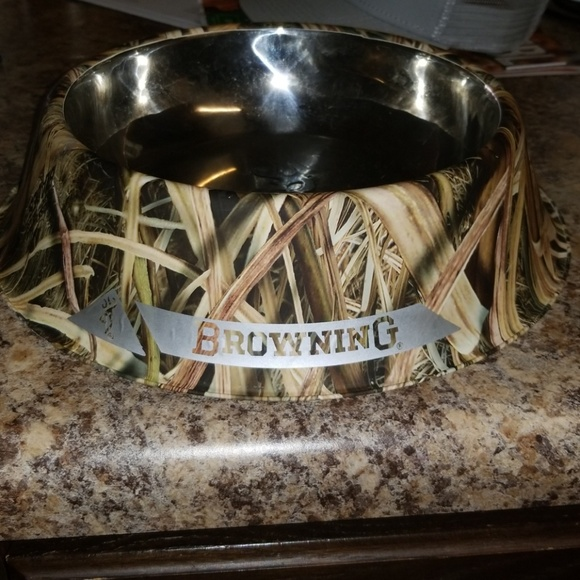 9ca7e92ed7 Browning Other - Browning camoflauge dog bowl